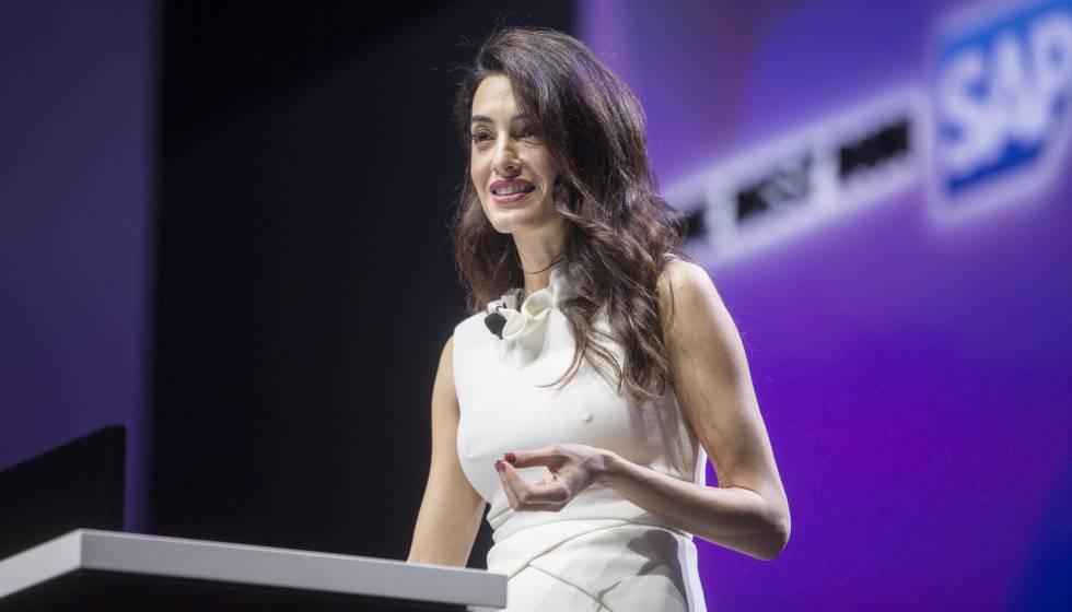 La abogada Amal Clooney, durante su intervencion en la conferencia de abertura del congreso de Sap Ariba Live en Barcelona.
