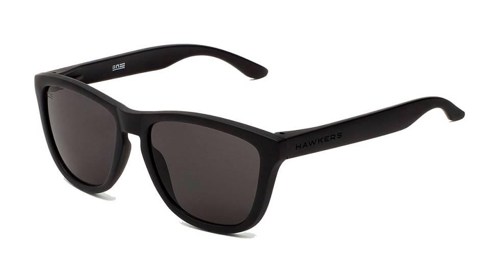 2b7beacac9 14 gafas de sol para hombre y mujer por menos de 40 euros ...