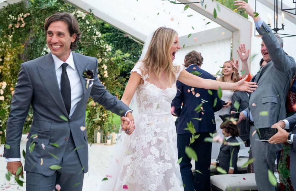 Gwyneth Paltrow y Brad Falchuk durante su boda, celebrada el 29 de septiembre en los Hamptons, Nueva York.