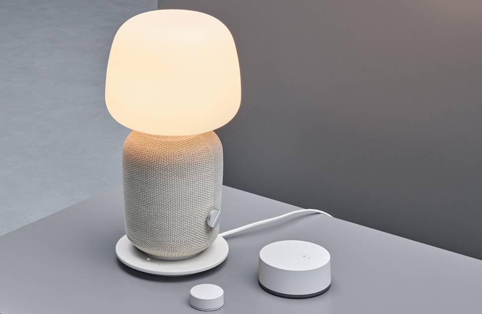 Lámpara de mesa con altavoz inalámbrico diseñada en colaboración con la empresa Sonos que Ikea comercializará a partir del próximo mes de agosto.