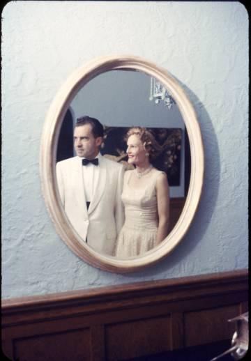 Richard Nixon y su esposa Pat en 1958.
