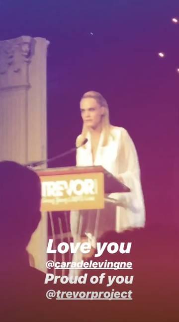 Cara Delevingne confirma su relación con Ashley Benson por el Orgullo Gay