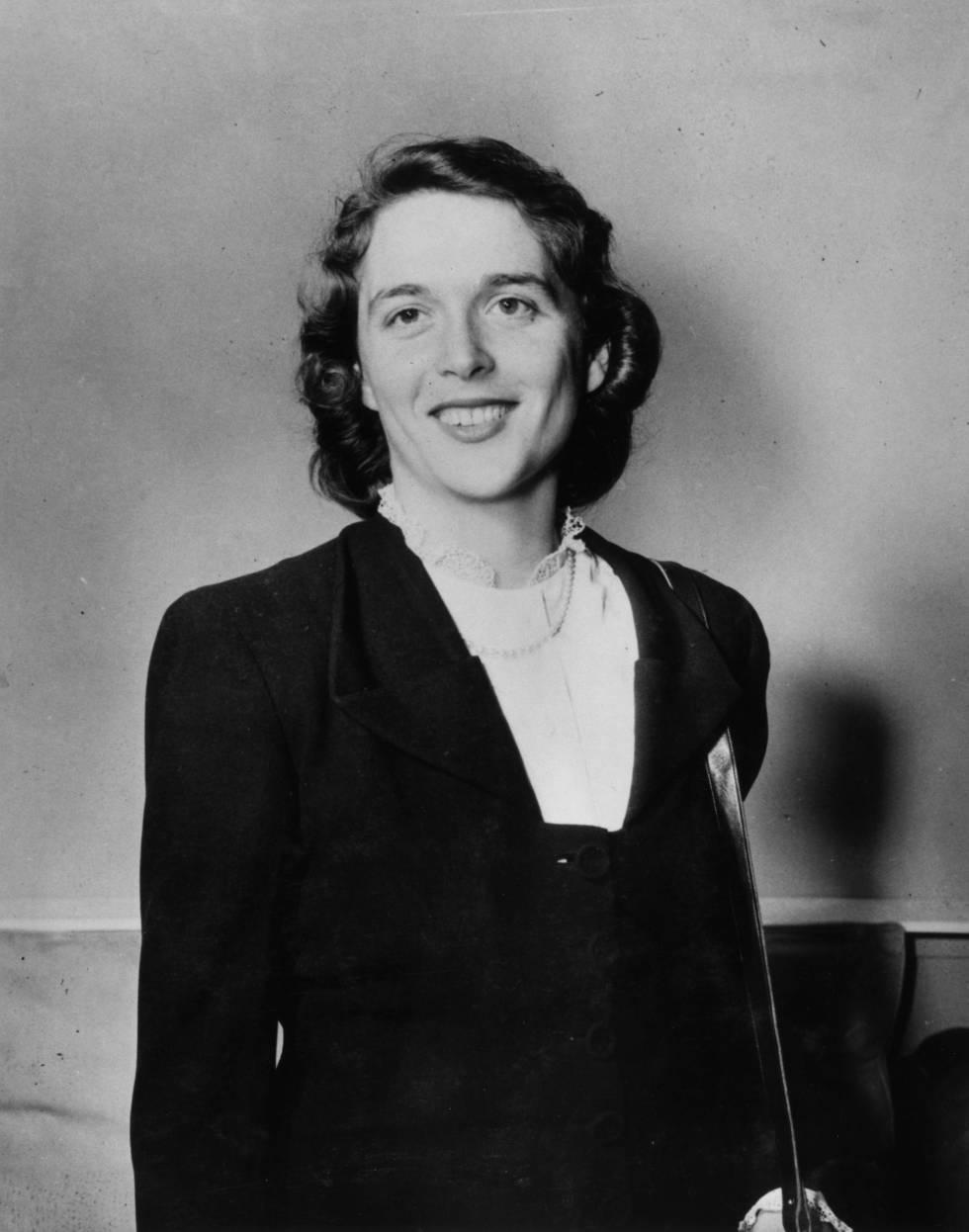 Una joven Barbara Bush, fotografiada en 1945. Uno de los rumores más extendidos sobre Alesteir Crowley dice que podría ser su padre.