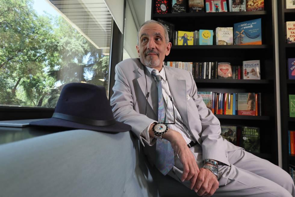 David Rieff, autor de 'Una cama por una noche', en la sede de Penguin Random House Grupo Editorial en Madrid.