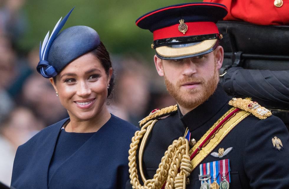 Enrique de Inglaterra y Meghan Markle durante el desfile anual por el cumpleaños de la reina Isabel II, el pasado día 8 en Londres.