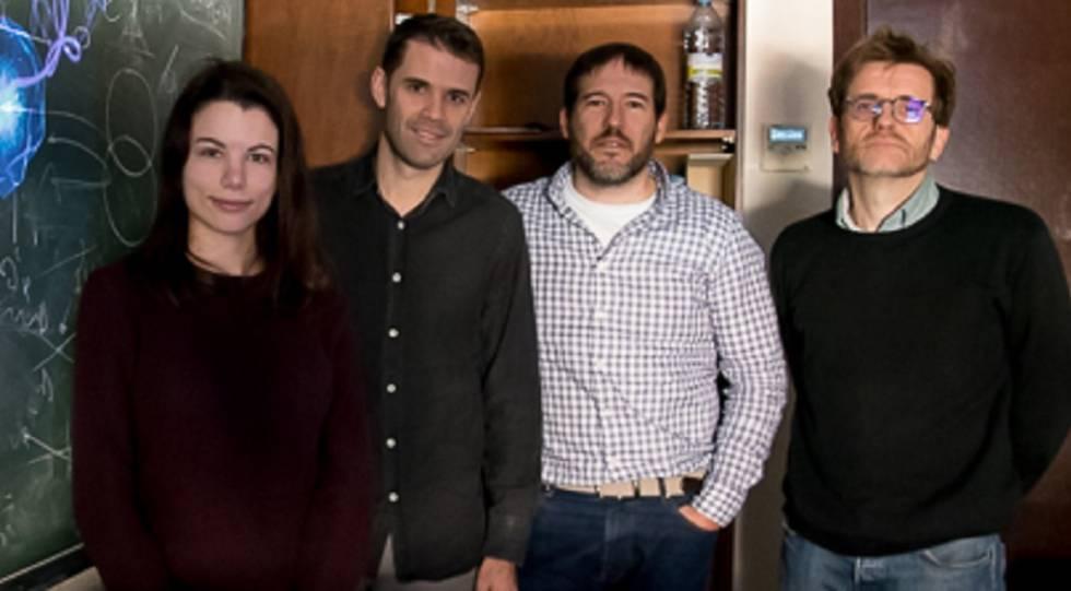 A partir da esquerda, Laura Rego, Carlos Hernández, Julio San Román e Luis Plaja, da Universidade de Salamanca.