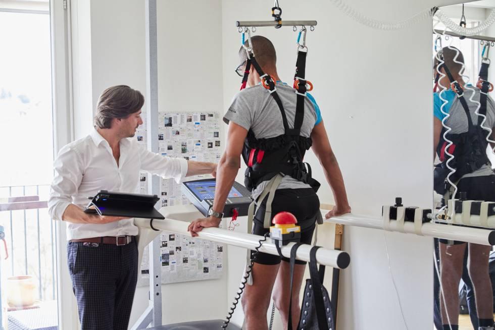 Grégoire Courtine ha desarrollado un método para ayudar a personas con parálisis a caminar de nuevo (© Rolex  Sébastien Agnetti).rn rn