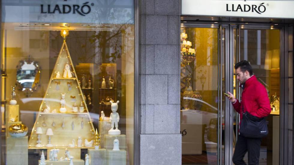 Escaparate de una tienda de Lladró en la calle Serrano de Madrid.rn