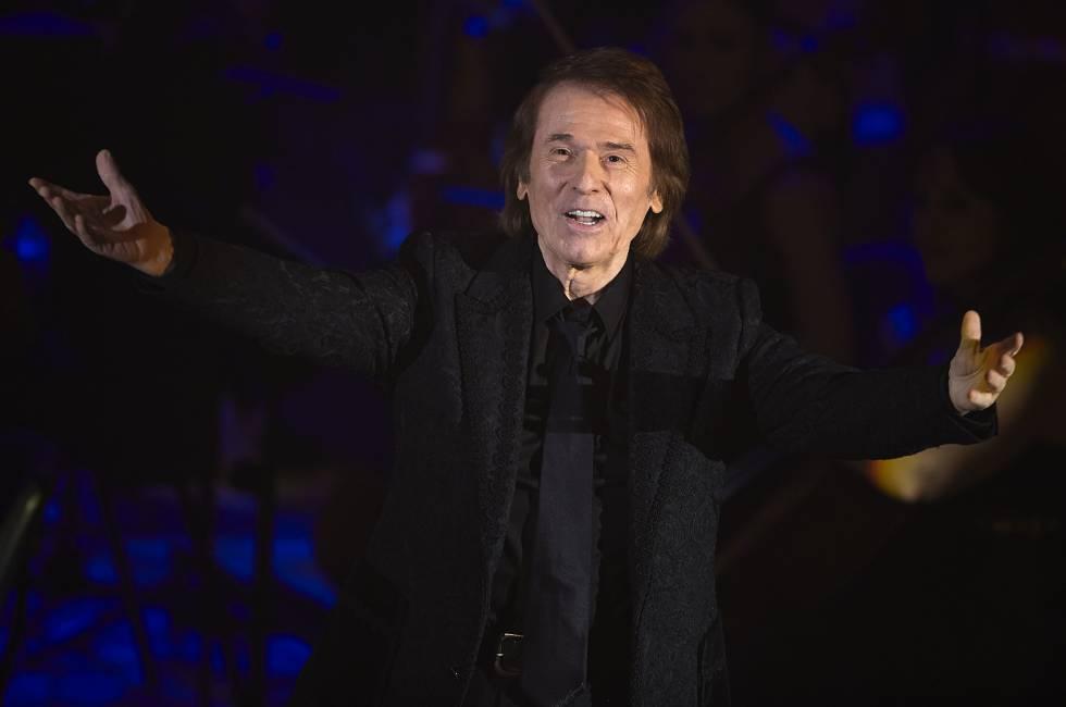 El cantante Raphael fotografiado en Valencia con motivo de su gira 'Simphonico' en el año 2015.
