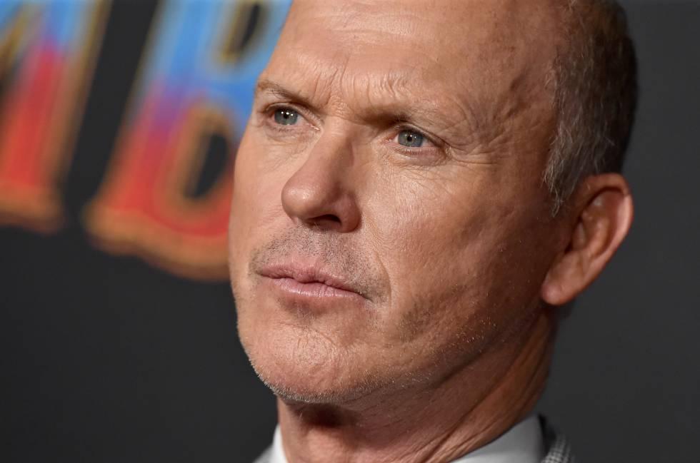Michael Keaton en el estreno de Dumbo en Los Ángeles, marzo de 2019.