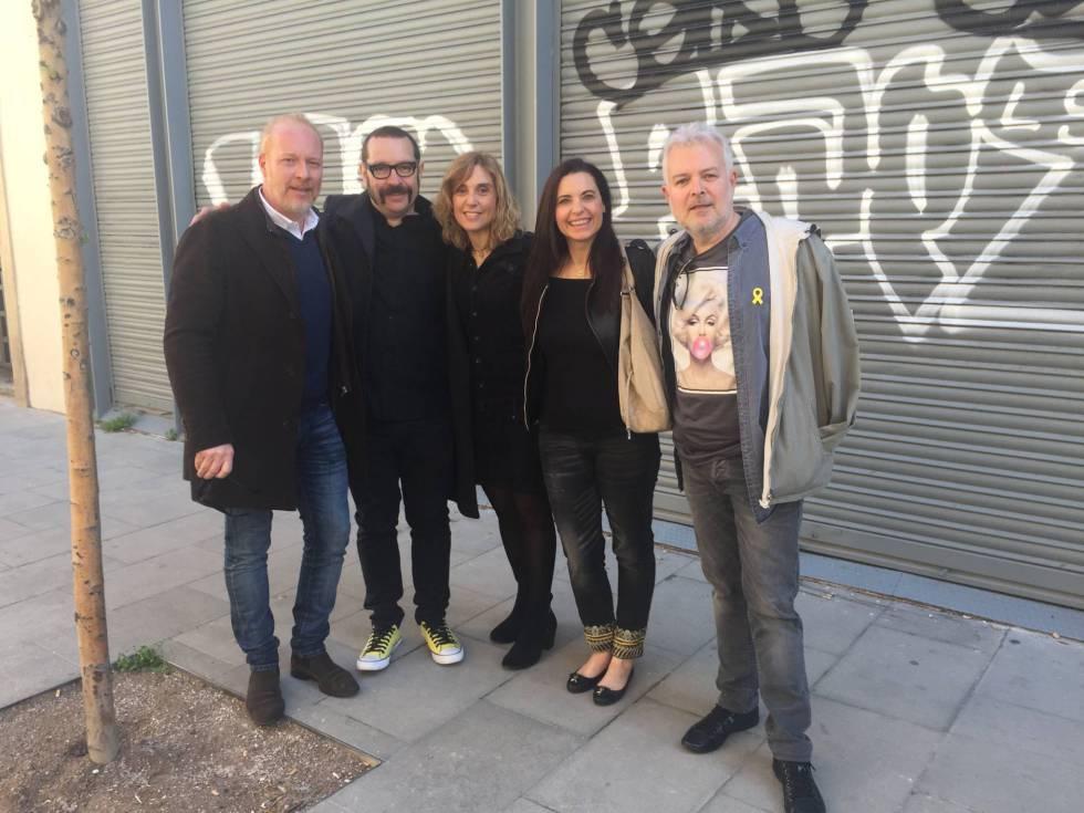 Frank, David, Gemma, Yolanda y Tino en una imagen reciente de uno de sus reencuentros que han publicado en Facebook