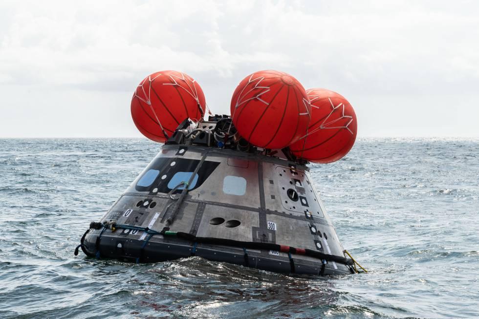 Prueba de amerizaje de la cápsula Orion que llevará astronautas a la Luna