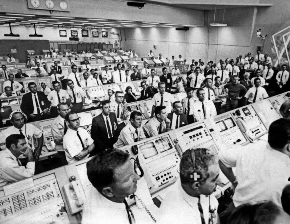 Centro de control del centro spacial Kennedy, durante el despegue del 'Apolo 11'.