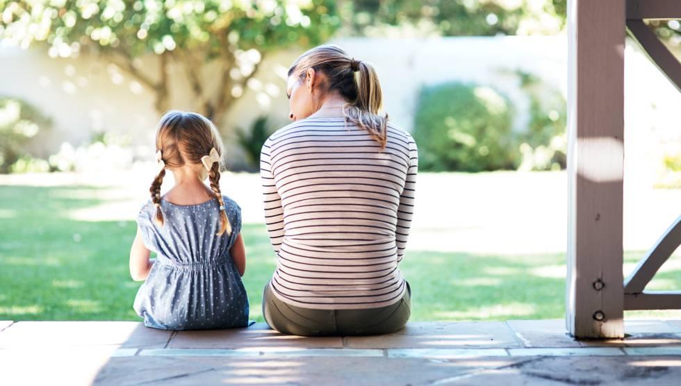Cómo Explicarle A Tu Hijo Que El Abuelo Ha Fallecido Blog Sesenta Y Tantos El País