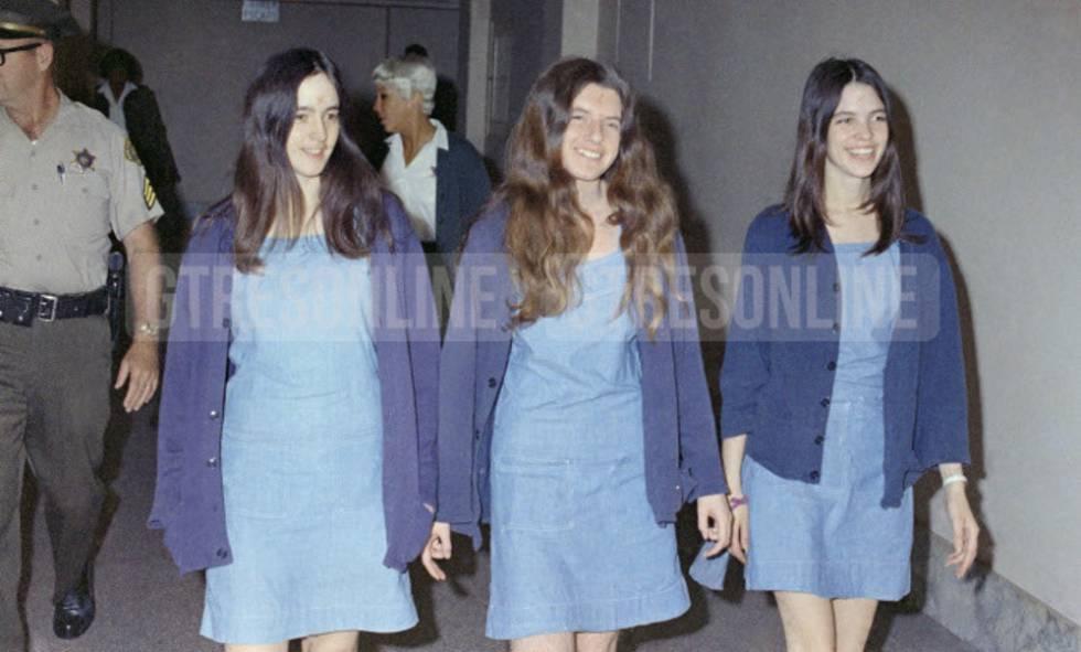 Susan Atkins, Patricia Krenwinkel y Leslie Van Houten, seguidoras de Charles Manson e involucradas en los asesinatos, en 1969.