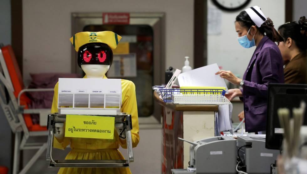 Documentos en un hospital de Bangkok.