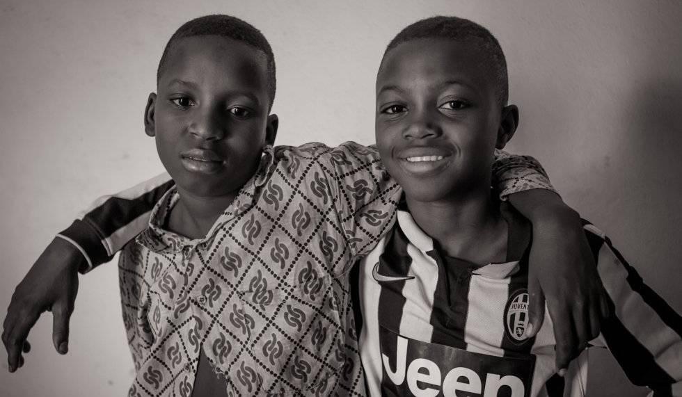 Ibrahim y Aliou, dos menores utilizados en Mali con fines militares.