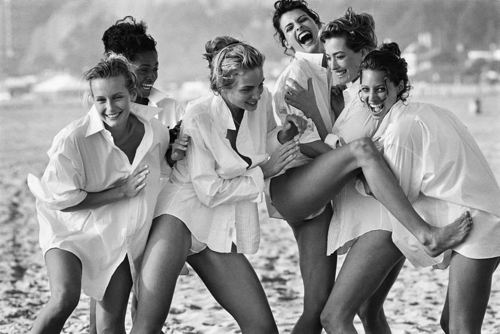 Modelle Estelle Lefébure, Karen Alexander, Rachel Williams, Linda Evangelista, Tatjana Patitz e Christy Turlington fotografate da Peter Lindbergh a Santa Monica (California) nel 1988.