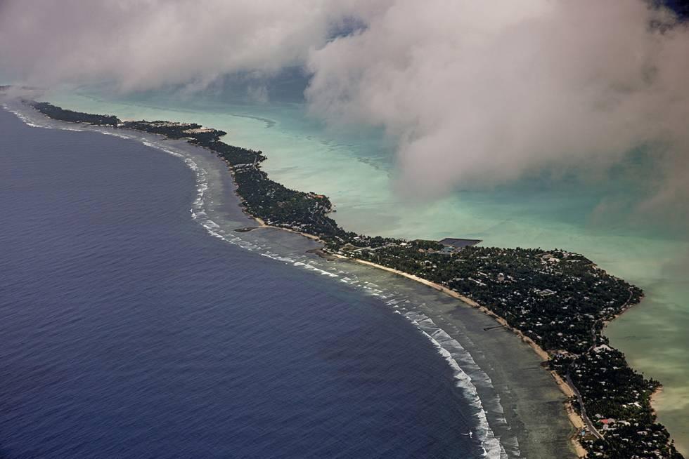 Kiribati. Vista aérea del archipiélago del Pacífico en riesgo de desaparición por la subida del nivel del mar.