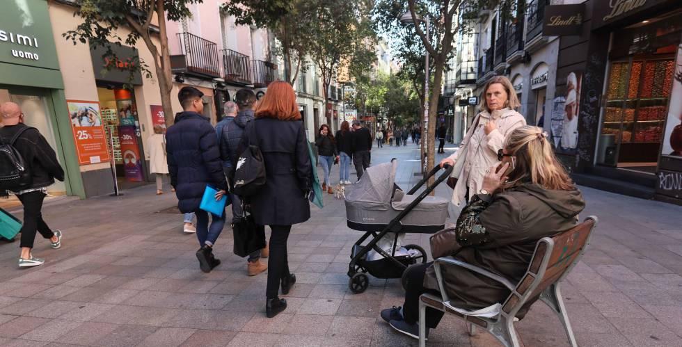 La calle Fuencarral, en Madrid, peatonalizada en 2008.