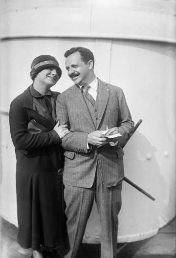Arriba, Sam Zemurray; abajo, Edward L. Bernays con su esposa, Doris E. Fleischman.