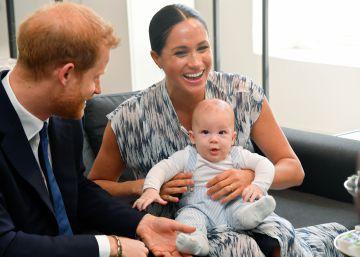Príncipe Harry e Meghan Markle mostram filho na África do Sul