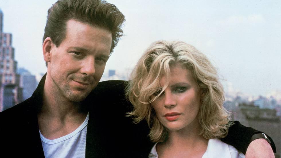 Mickey Rourke e Kim Basinger só tinham permissão de se ver durante as filmagens. No vídeo, o trailer do filme em inglês
