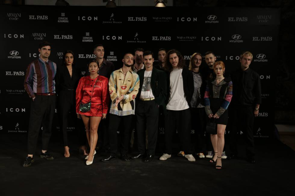The artist C. Tangana (in the center, with a Marilyn Monroe shirt), this Wednesday at the gala of the V ICON Awards, in Madrid.