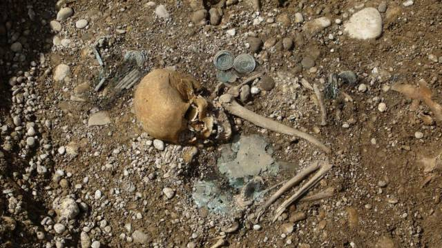 What counts about inequality the cemetery of Bronze Age aristocrats
