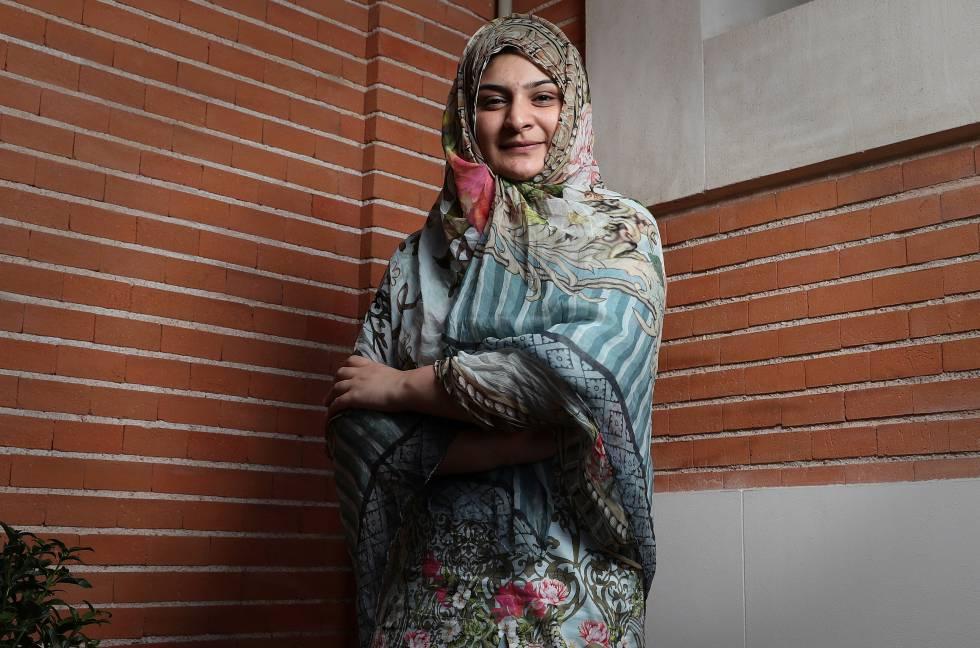Hadiqa Bashir es de Pakistán y recibió una proposición de matrimonio cuando tenía 11 años. Sus padres querían aceptarla y ella, con el apoyo de su tío, les amenazó con llevarles a los tribunales. Así evitó un enlace que no quería y se convirtió en una activista contra esta práctica en su país.