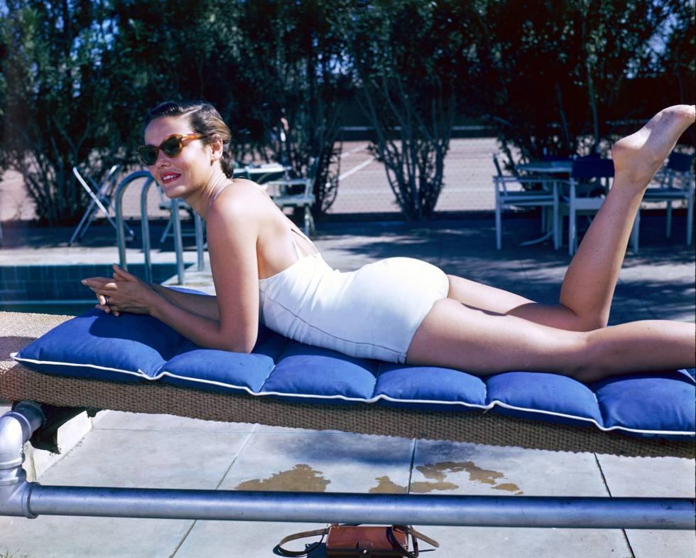 Gene Tierney tomando el sol en 1940. Fue considerada