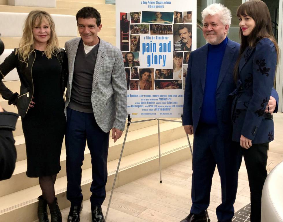 Melanie Griffith, Antonio Banderas, Pedro Almodóvar y Dakota Johnson.