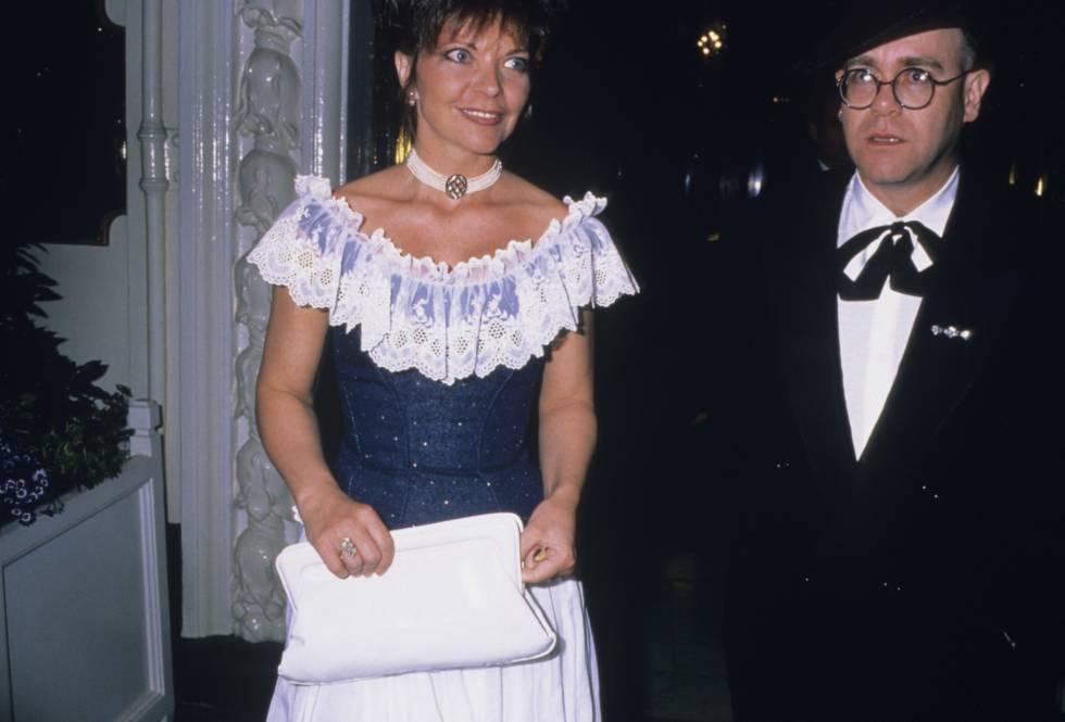Así fue el extraño matrimonio de Elton John con una mujer llamada ...