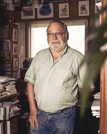 El escritor y filósofo Fernando Savater acaba de publicar 'La peor parte', un libro sobre su relación con Sara, su esposa fallecida en 2015.