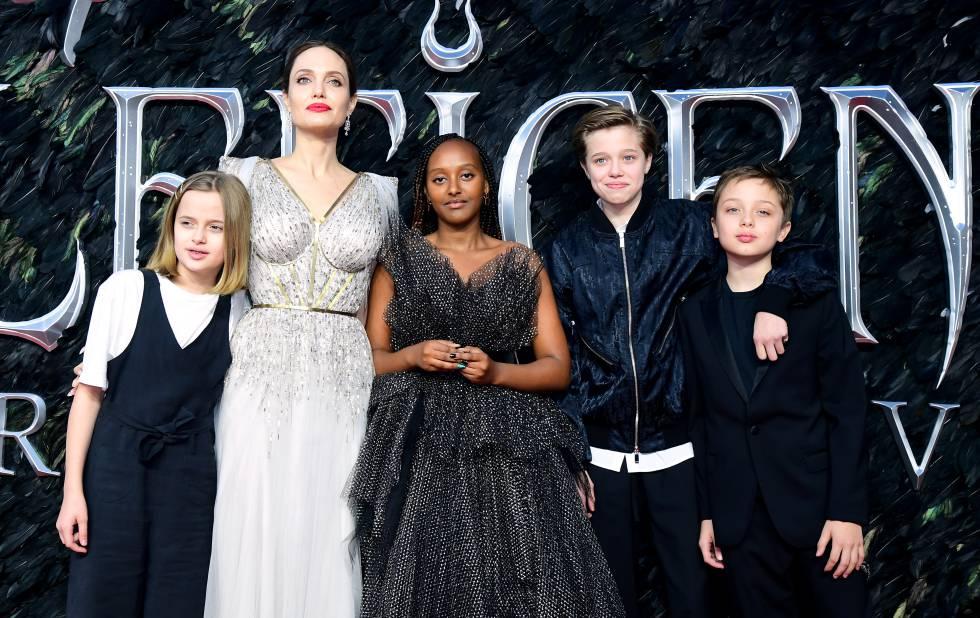 Angelina Jolie, junto a sus Vivienne, Zahara, Shiloh y Knox, el pasado octubre, en Londres.