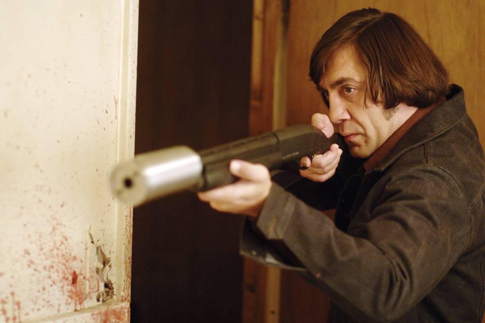 Javier Bardem interpreta a un asesino en serie en 'No es país para viejos' (2008).