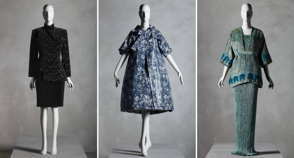 De izquierda a derecha, traje de Patrick Kelly (otoñoinvierno 1988-1989), conjunto de vestido y abrigo de Yves Saint Laurent para Dior (primaveraverano 1958) y vestido con chaqueta de Mariano Fortuny (años veinte-treinta).