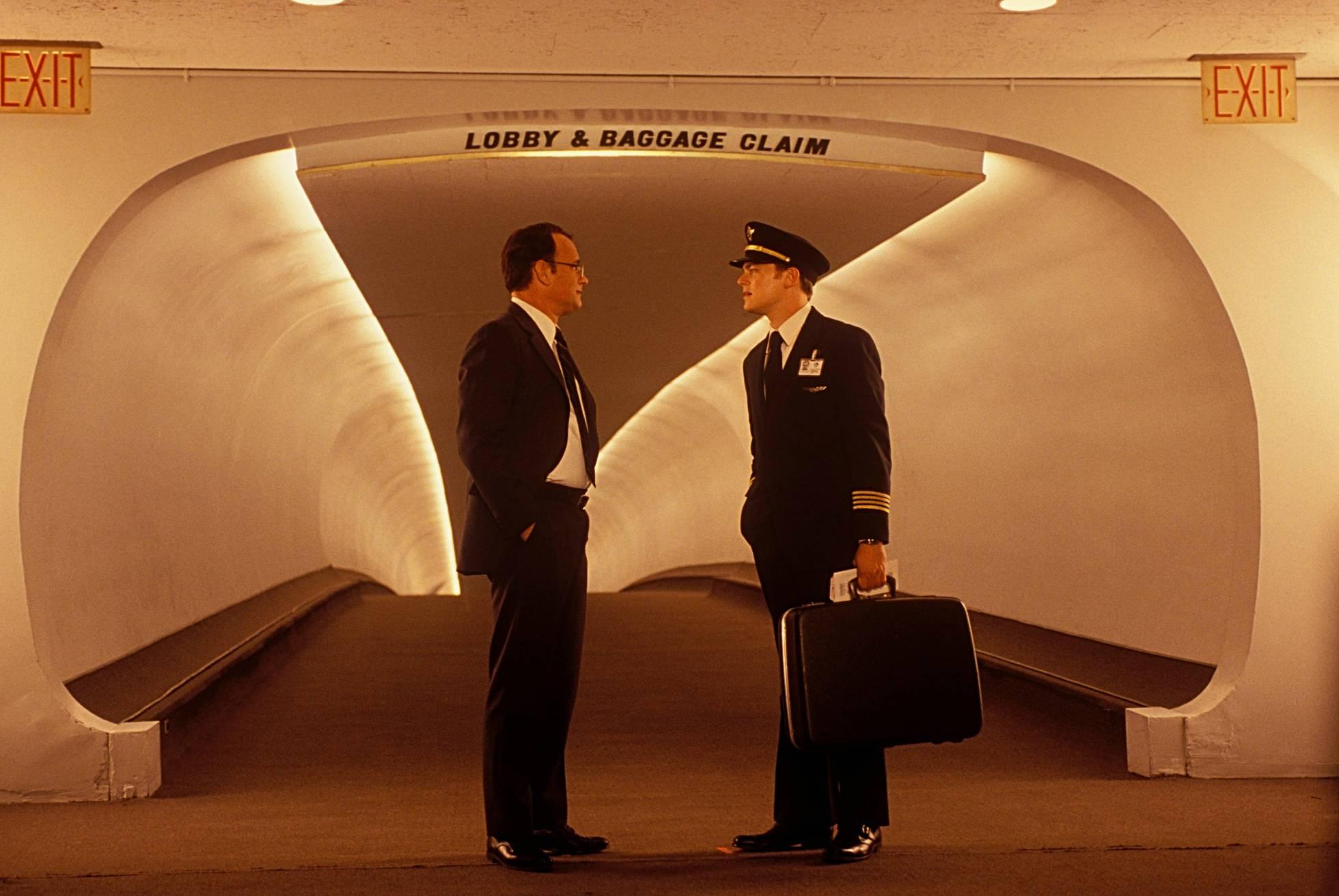 Tom Hanks e Leonardo DiCaprio en 'ATRPame Se podes': un exemplo de rivalidade que Termina en colaboración.'Atrápame si puedes': un ejemplo de rivalidad que termina en colaboración.
