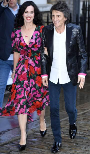 Sally Humphreys y Ronnie Wood, en Londres, el pasado junio.