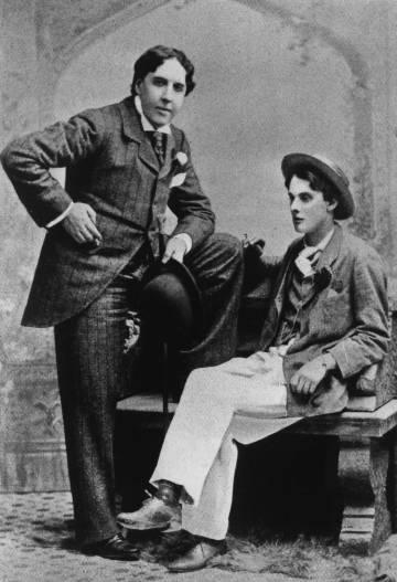 Oscar Wilde junto al Lord Alfred Douglas, el amor prohibido que le arruinó la vida.