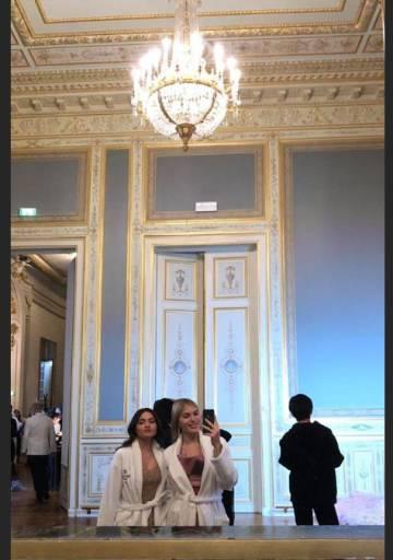 Cristina Iglesias y Rocío Zóbel, en el hotel Shangri-La.