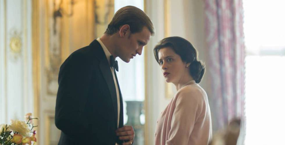 Claire Foy y Matt Smith en una escena de 'The Crown'.