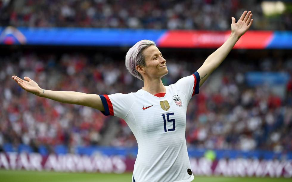 Megan Rapinoe celebra la victoria de Estados Unidos en el mundial de Francia, en junio.