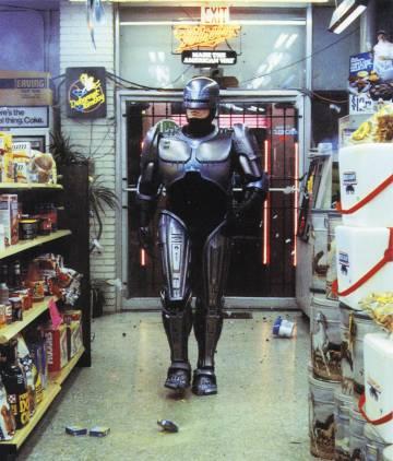 La violencia, el humor e incluso las críticas a los medios de comunicación que tanto penalizaron a 'Robocop' cuando se estrenó han terminado convirtiendo esta película en un clásico de la ciencia ficción.
