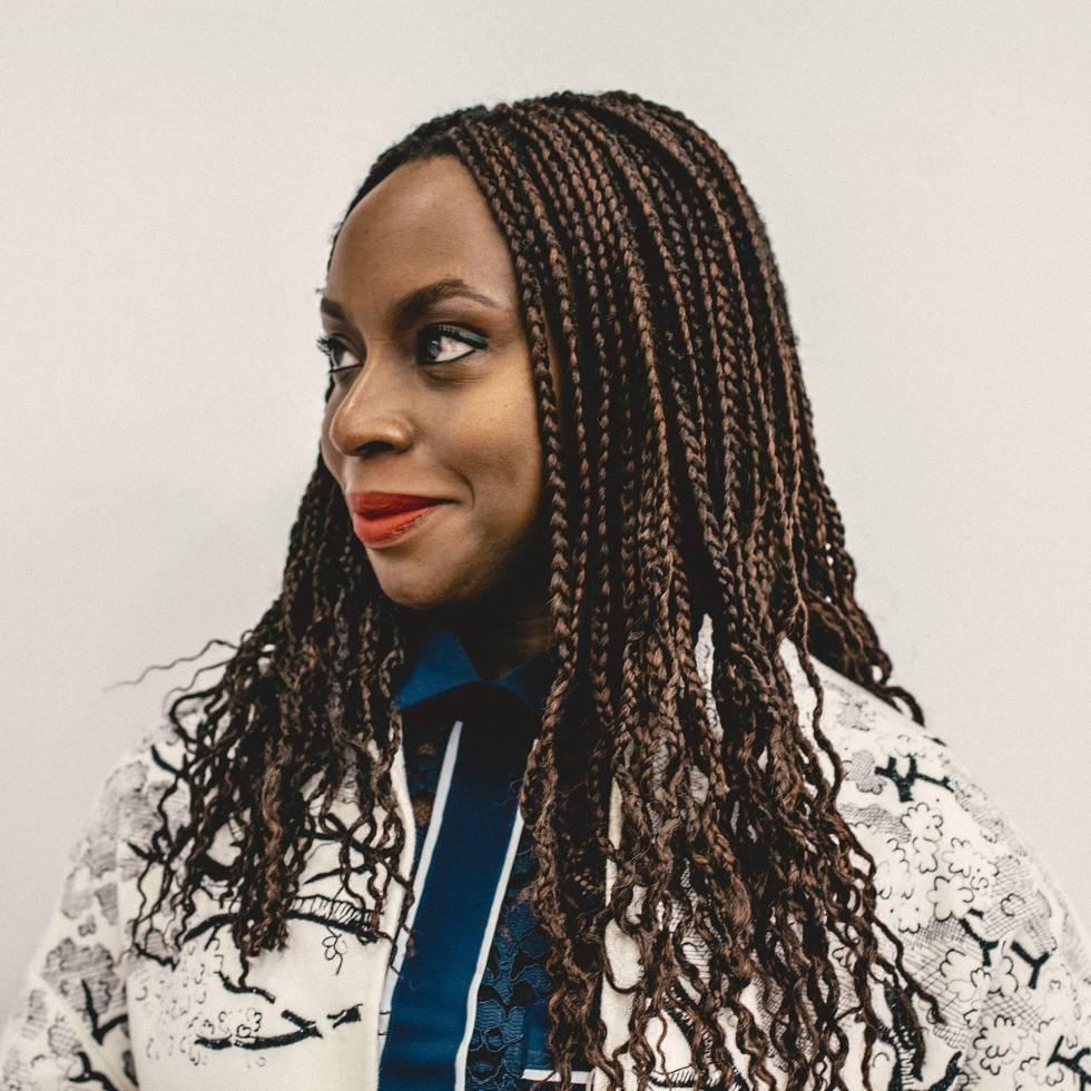 """Chimamanda Ngozi Adichie: """"Não estava em meus planos ser um ícone feminista"""""""