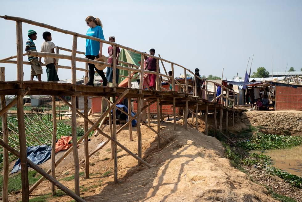 Paloma Escudero, en su visita al campo de refugiados rohingya en Bazar Cox (Bangladés) en septiembre de 2018.