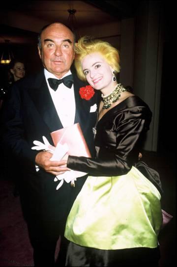 La princesa Gloria Von Thurn Und Taxis y su esposo, el príncipe Johannes von Thurn Und Taxis, en una fiesta en París, en 1988.