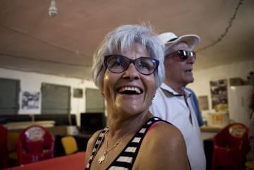 Soledad Cobos and her husband José Antonio Canedo in the Association of Neighbors of Monfragüe.