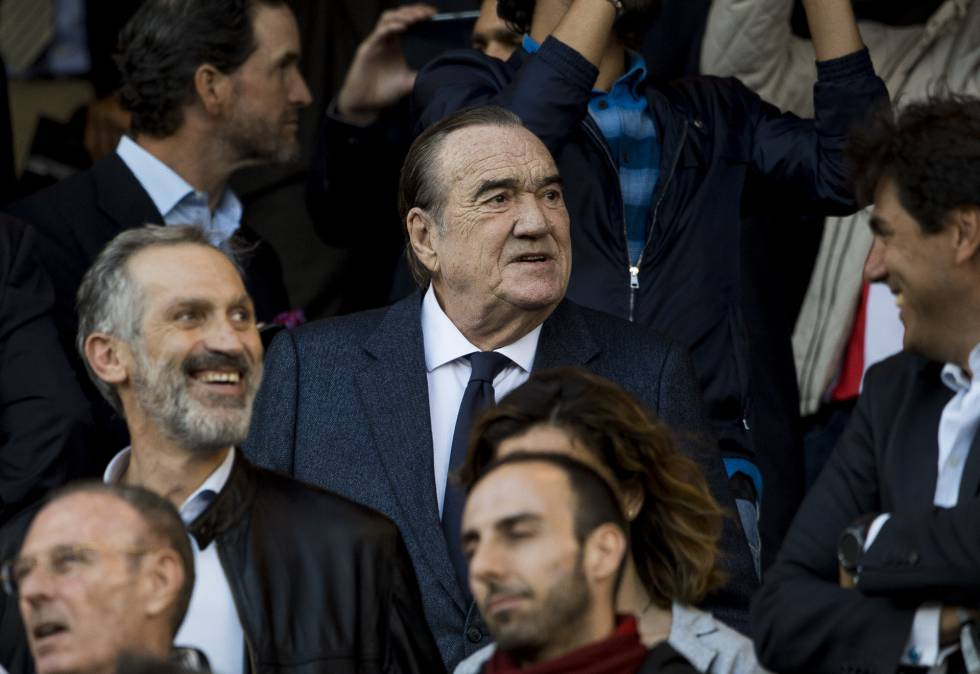 Fernández Tapias, en el palco del Bernabéu.