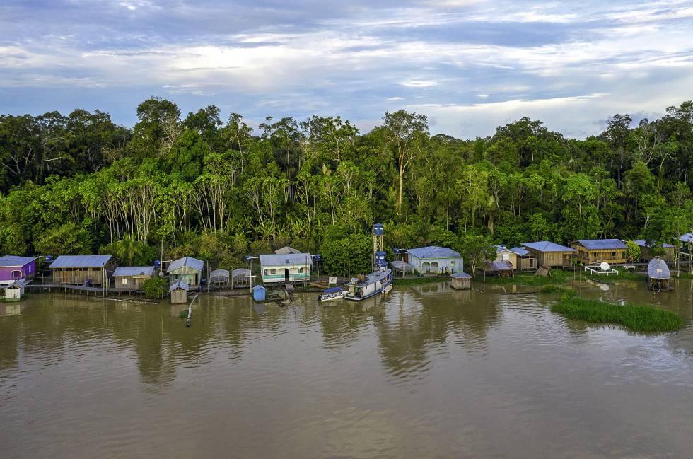 Una vista de un asentamiento local en la Amazonia.